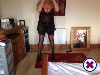 Meet Suzy Mature English in  right now!