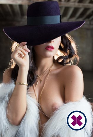 Charlotte is a sexy Italian Escort in Amsterdam