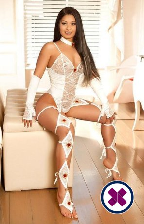 Zeinep is a super sexy English Escort in Camden