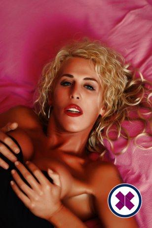 Lena Massage TS ist eine der besten Masseuse in Brighton. Buchen Sie jetzt gleich