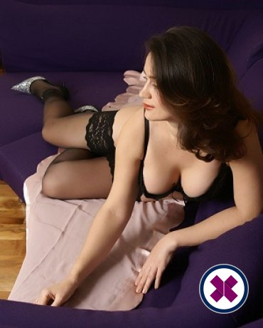 Alexandra  ist eine der besten Masseusen in Royal Borough of Kensingtonand Chelsea. Buchen Sie noch heute ein Treffen