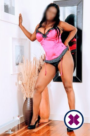 Busty Naomi is a top quality Caribbean Escort in London