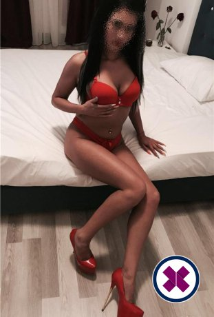 Cammy is a sexy English Escort in Bournemouth
