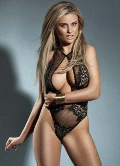 Claudia - an agency escort in London
