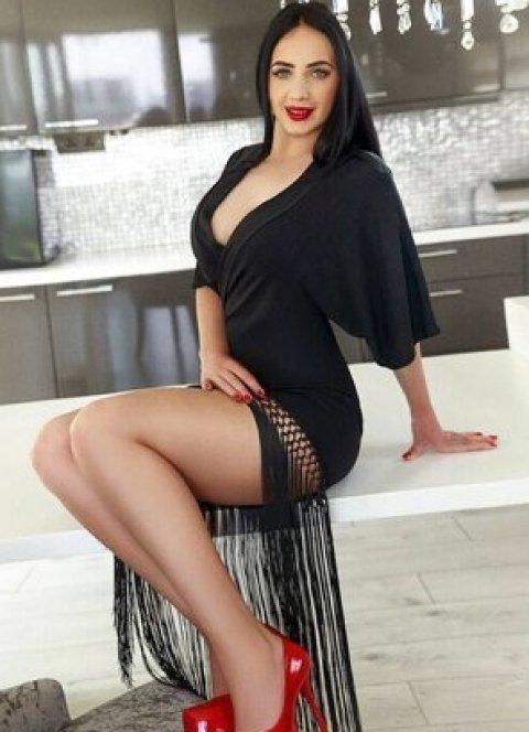 Vanessa - an agency escort in London